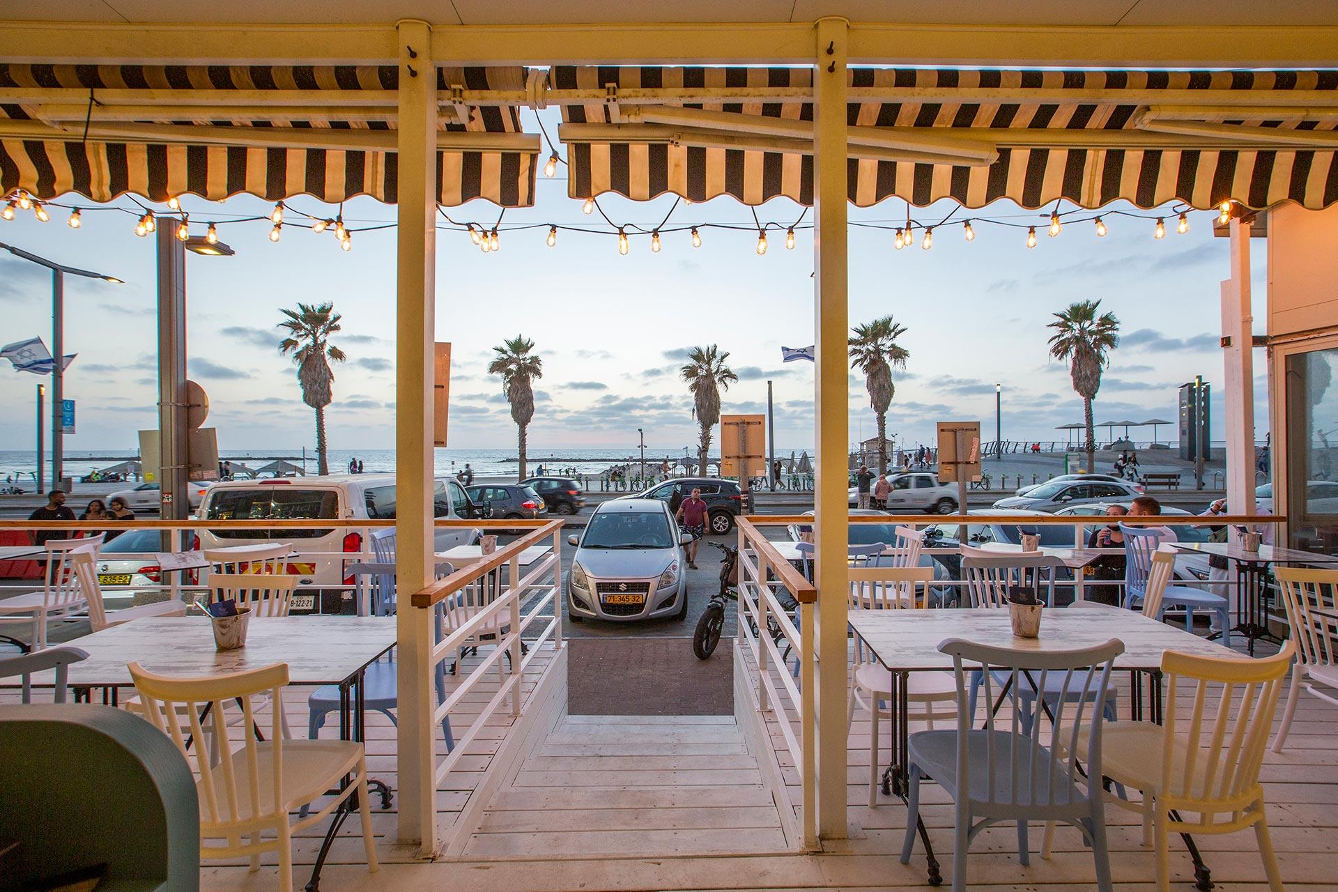 ארוחת ערב בתל אביב מול הים